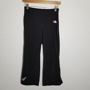 North Face small black cropped yoga pants